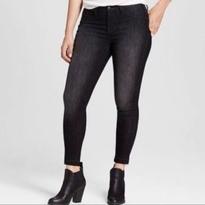 Mossimo Black High Rise Skinny Crop Jeans
